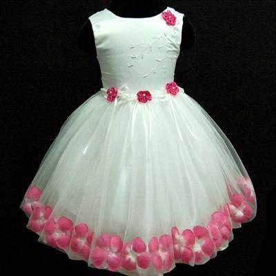 Vestido para formatura infantil com flores rosas