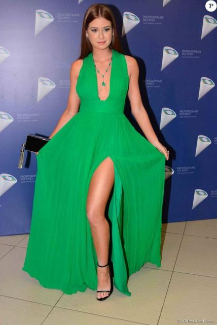 vestido verde simples