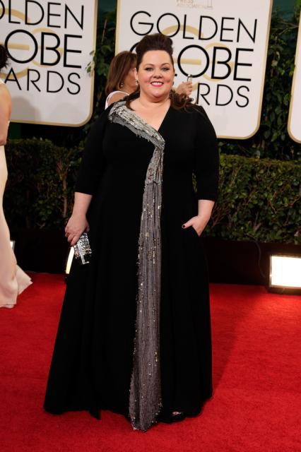 vestido longo preto com detalhe em cinza