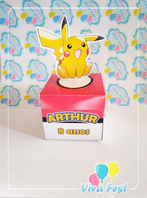 Convites-Pokémon caixinha de papel vermelha e branca com Pikachu