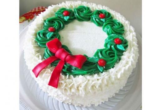 Bolo de Natal simples chantilly branco, vermelho e verde