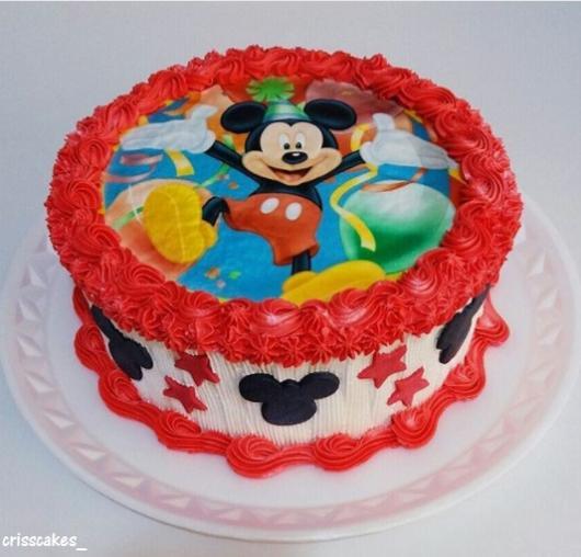 bolo decorado vermelho