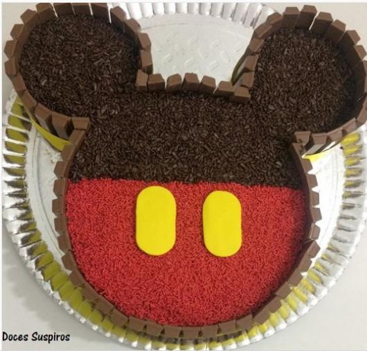 bolo formato cabeça Mickey