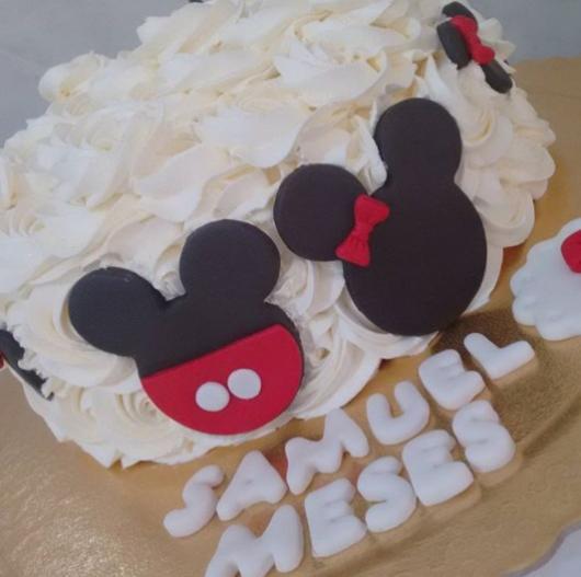 bolo chantilly Mickey e Minnie