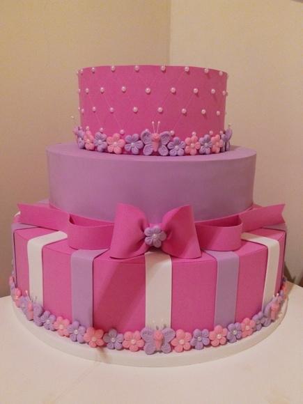 Bolo fake princesa de papelao rosa, lilás e branco