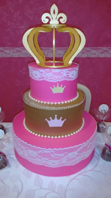 Bolo fake princesa de tecido dourado e rosa