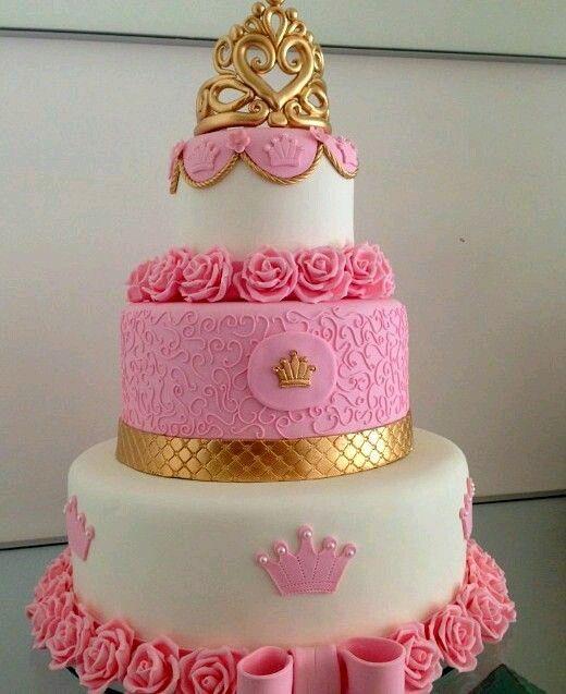 Bolo fake princesa rosa e branco de biscuit com aplique