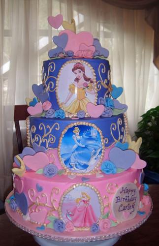 Bolo fake princesa da Disney