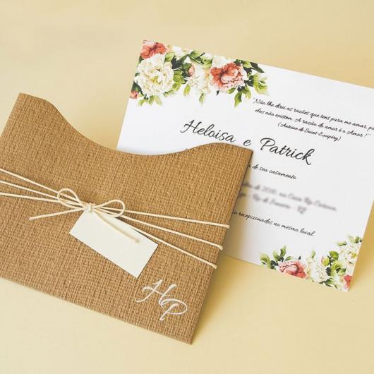 Convites de Noivado Simples rustico com envelope de juta