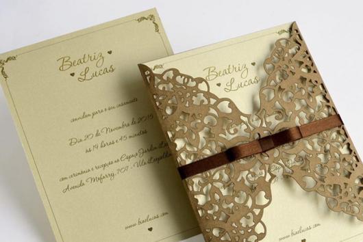 Convites de Noivado Simples arabesco beje
