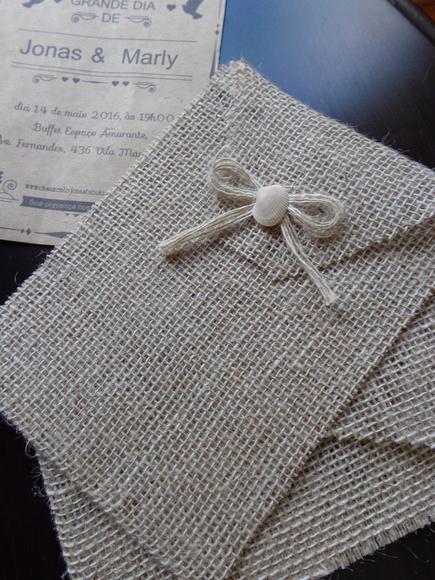 Convites de Noivado Simples envelope de juta