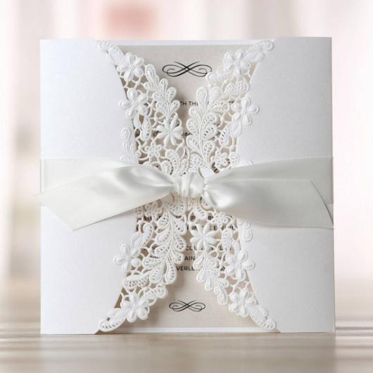 Convites de Noivado Simples arabesco branco