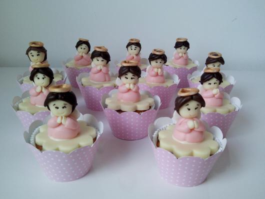 Cupcake para batizado forminha personalizada