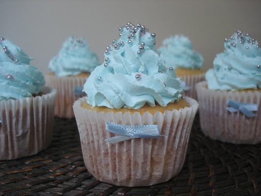 Cupcake para batizado chantily azul