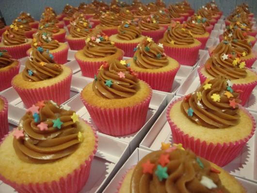 Cupcake para batizado doce de leite