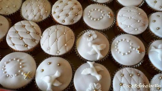 Cupcake para batizado decoração delicada