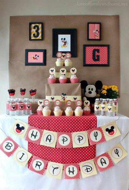 festa pequena Mickey