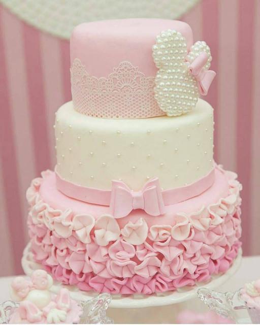 Festa da Minnie rosa bolo três andares
