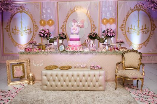 Festa da Minnie rosa combinando com dourado