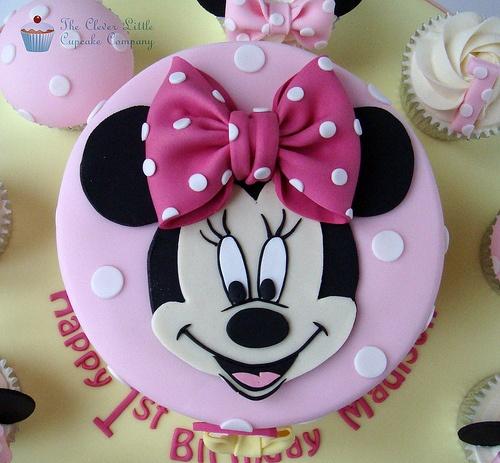 Festa da Minnie rosa bolo pasta americana