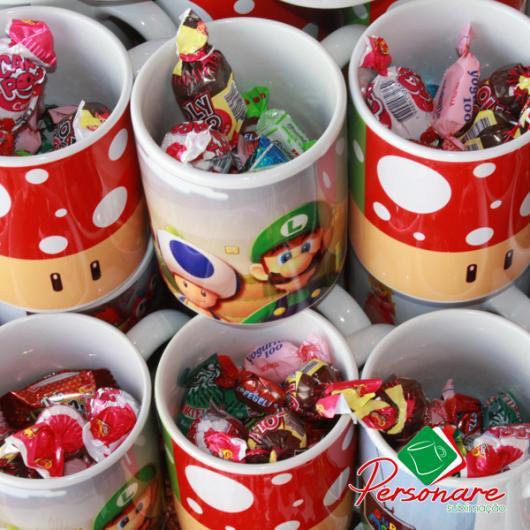 Copos de plástico com o tema Mario Bros.