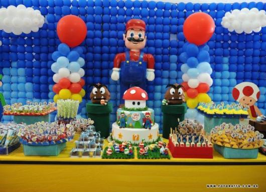Painel decorado com Mario Bros gigante