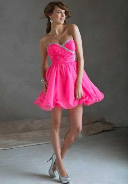 Roupa para festa neon vestido rosa