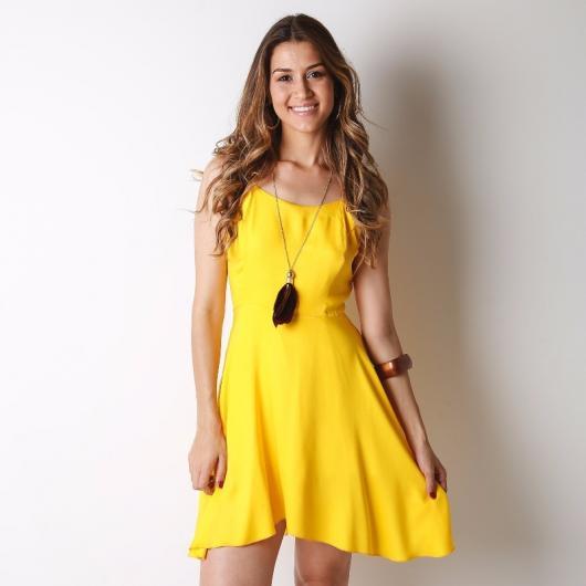 Roupa para festa neon amarelo