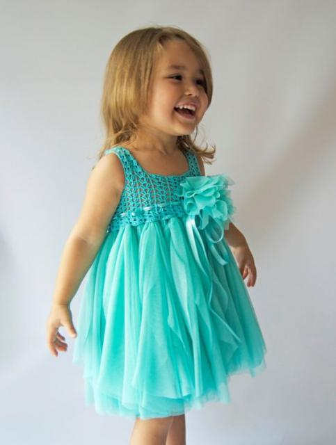 vestido simples azul