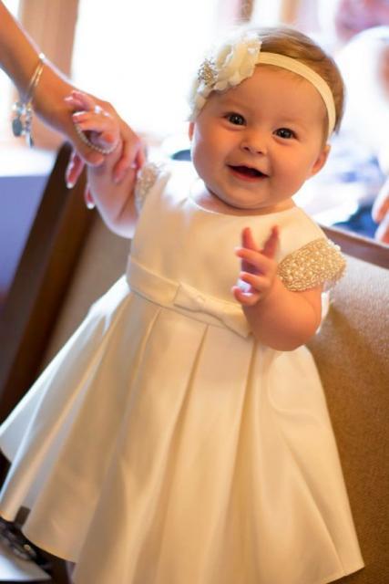 vestido branco bebê