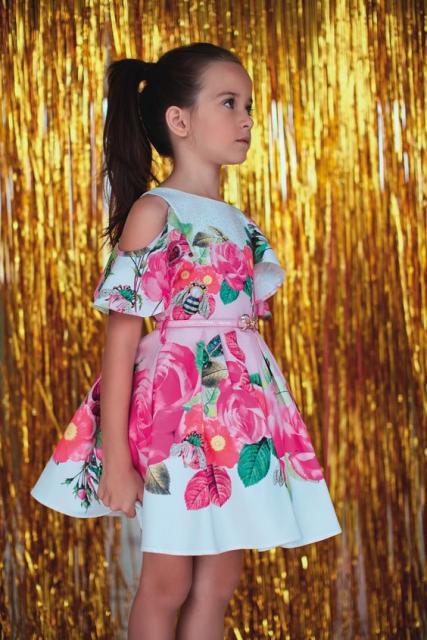 vestido floral moderno