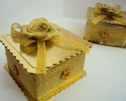 Caixinha decorada com dourado para Bodas de Ouro