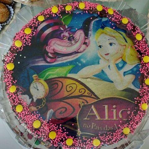 Bolo Alice no País das Maravilhas papel de arroz