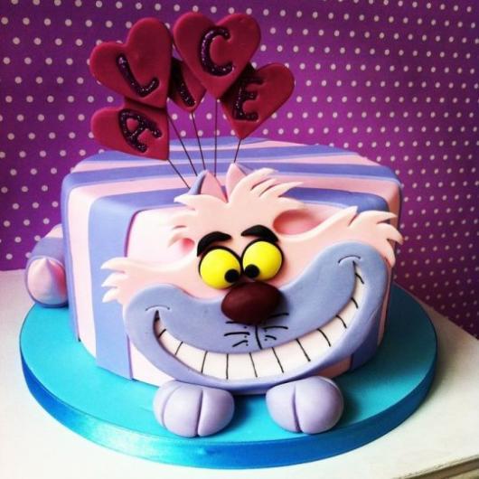 Bolo Alice no País das Maravilhas gato sorridente