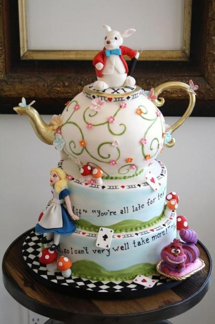 Bolo Alice no País das Maravilhas bule de chá