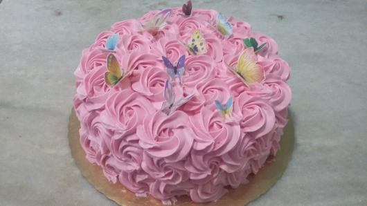 Bolo jardim encantado lindo e simples de glacê rosa