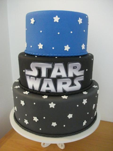 Bolo Star Wars de 3 andares preto e azul