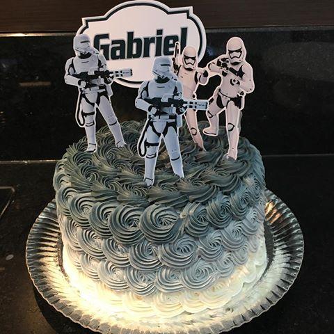 Bolo Star Wars decorado com chantilly