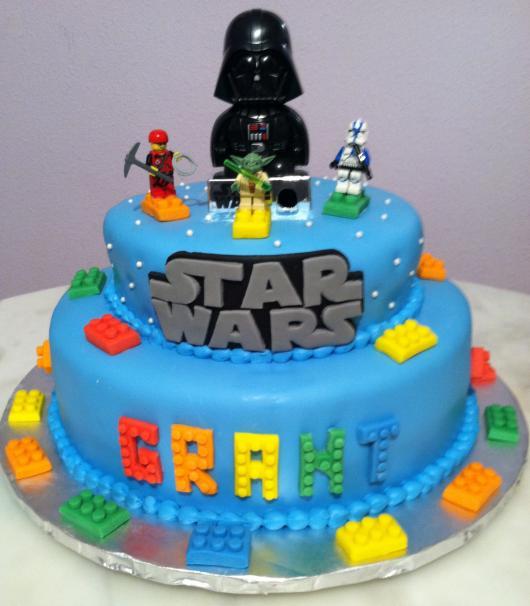 Bolo Star Wars azul claro de lego
