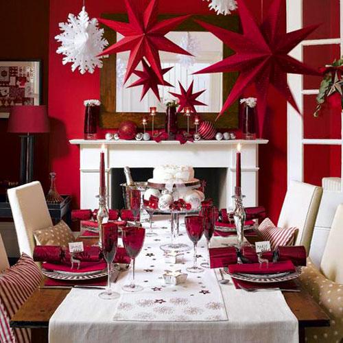 Ceia de Natal simples vermelha e branca