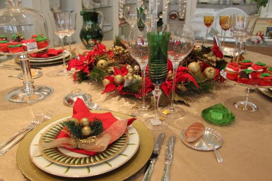 Ceia de Natal simples mesa decorada
