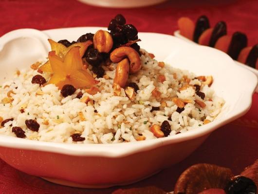 Ceia de Natal simples arroz com passas