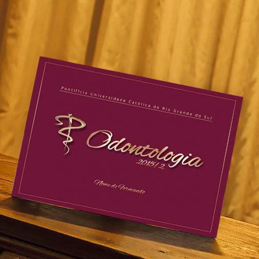 Convites de Formatura Odontologia cartanho vinho e dourado