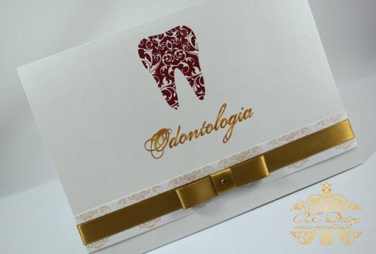 Convites de Formatura Odontologia scrap branco com laço dourado