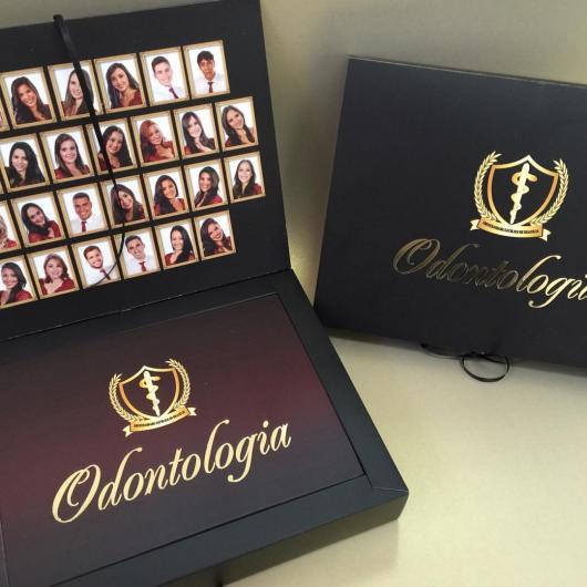 Convites de Formatura Odontologia na caixa de luxo com foto preto e dourado