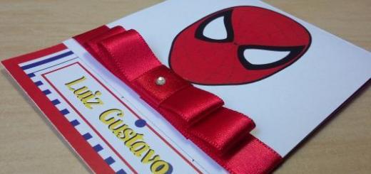 Convites Homem-Aranha acrapbook com laço vermelho