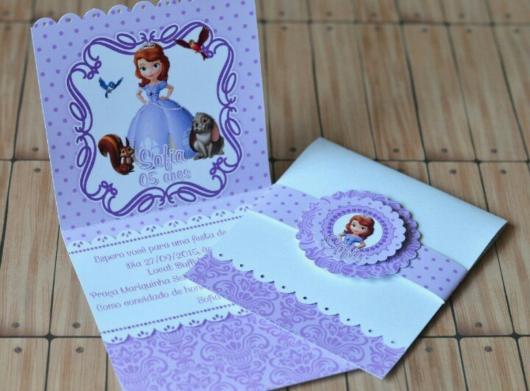 Convites Princesa Sofia modelo scrap lilás e branco