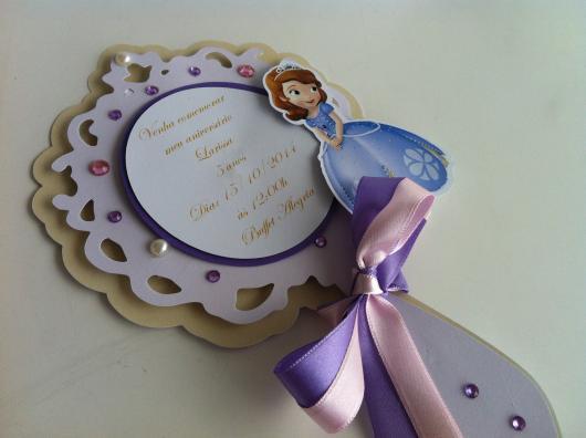 Convites Princesa Sofia modelo de espelho com aplique de fita de cetim