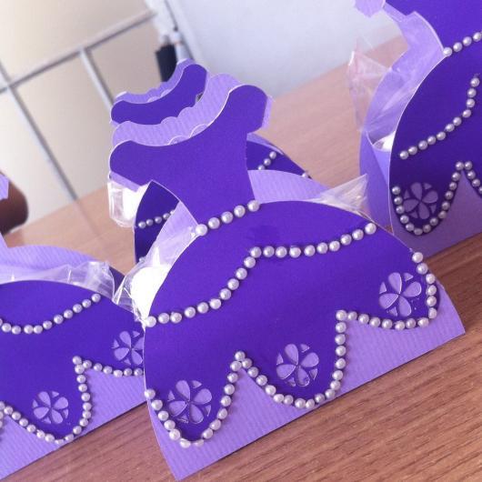 Convites Princesa Sofia vestido com aplique de mini pérolas