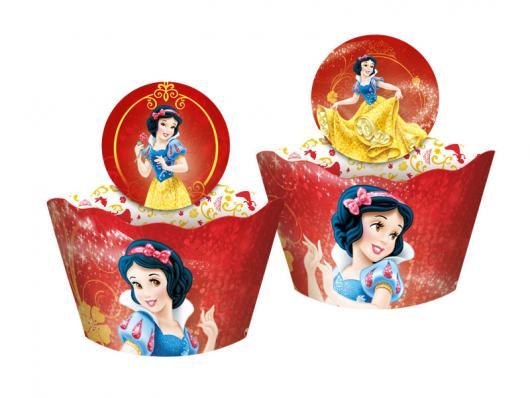 Cupcake Branca de Neve personalizado com wrapper e topper vermelho